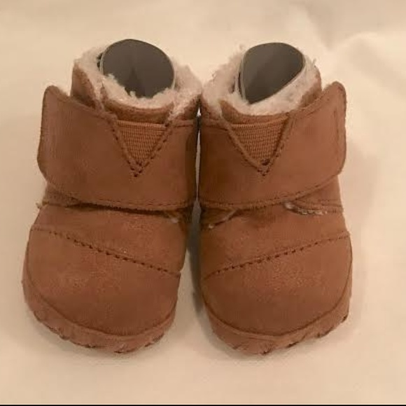 c9932333adc TOMS Cuna Booties (Toffee MIcrofiber) Size 1